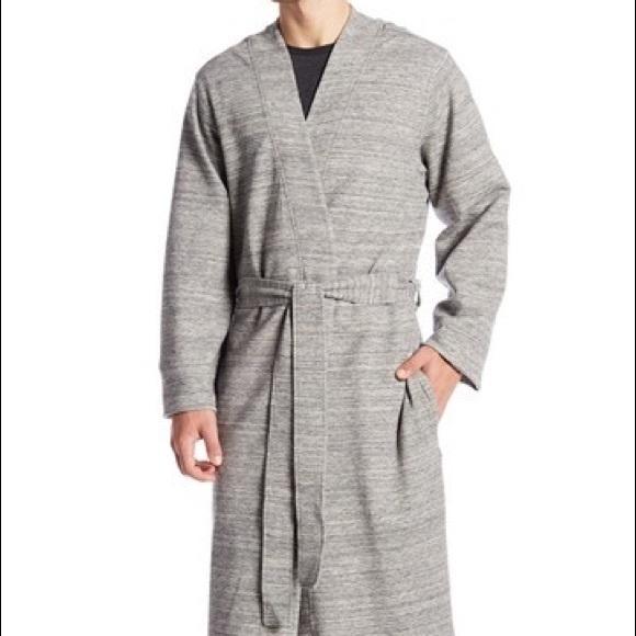 560be21225 NWT UGG AUSTRALIA Men s knit robe Large